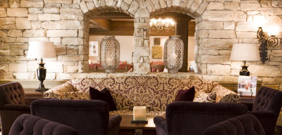 Hotel Berghof, Lech, Austria - lounge.jpg